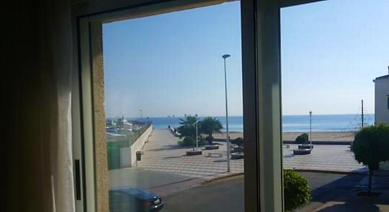 Apartamento con vistas al mar en el Perelló, Valencia.